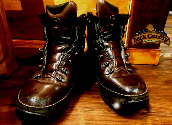 ... の登山靴(ヌバックレザー