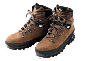 登山靴は、登山の目的に合った ...